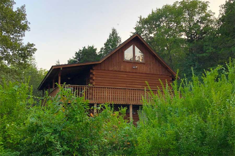 dogwood lodge cabin exterior