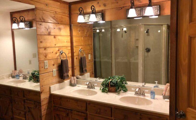 hideaway cabin bathroom
