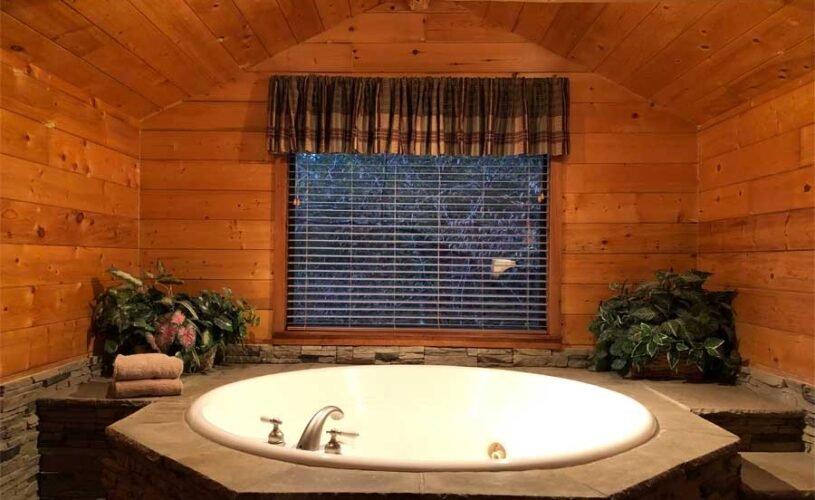 hideaway cabin whirlpool jetted tub