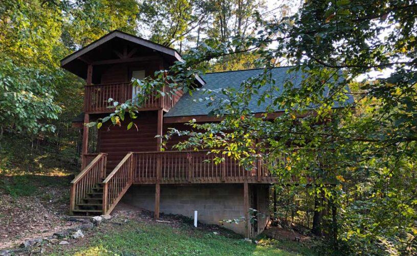 hilltop hideaway cabin exterior