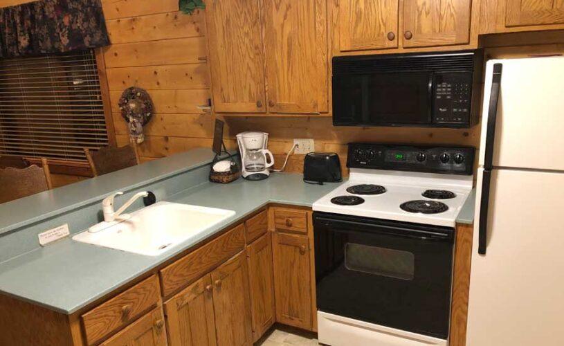 shady oak cabin kitchen